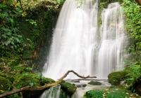 11041606-waterfall